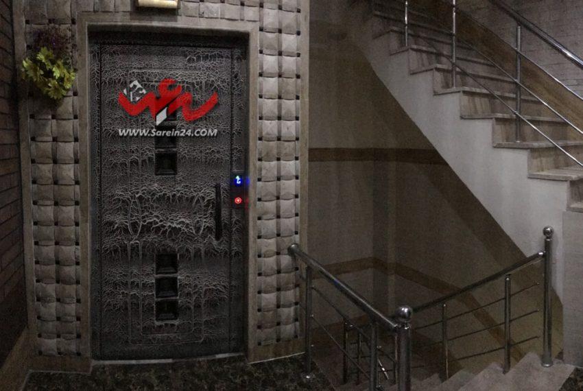 ورودی-یک-آپارتمان-۸۷-متری-مرکز-شهر-سرعین۲۴-دات-کام